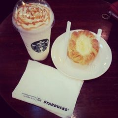 Photo taken at Starbucks by Eric T. on 4/29/2013