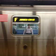 Photo taken at MTA Subway - 47th-50th St/Rockefeller Center (B/D/F/M) by Marc S. on 6/5/2013
