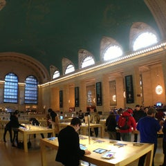 Photo taken at Apple Store, Grand Central by Todd M. on 2/15/2013