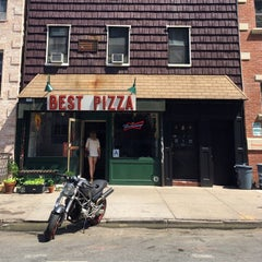 Photo taken at Best Pizza by Joel E. on 6/12/2014