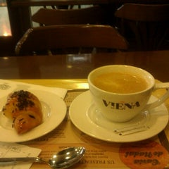 Photo taken at Viena by Eli V. on 12/31/2012