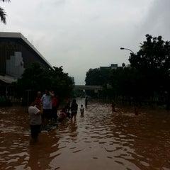 Photo taken at Jalan K.H. Wahid Hasyim by Affan T. on 1/19/2013