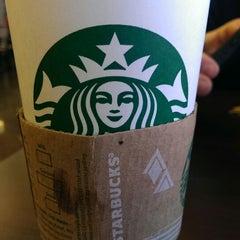 Photo taken at Starbucks by Kenny F. on 1/7/2014