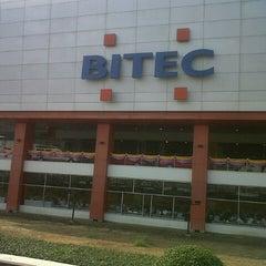 Photo taken at BITEC (ศูนย์นิทรรศการและการประชุมไบเทค) by ศราวุธ ส. on 1/29/2013