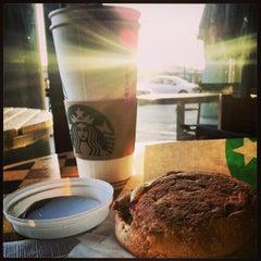 Photo taken at Starbucks by Saiofrelief on 1/22/2013
