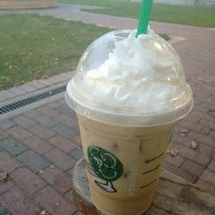 Photo taken at Starbucks by Shadowdar N. on 8/26/2015