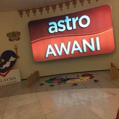 Photo taken at Astro Awani by Hezrin Ali on 11/12/2015