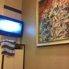 Photo taken at Hotel 81 Bugis by Lorenzo N. on 4/20/2013