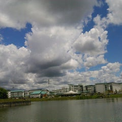 Photo taken at Tasik UNIMAS by Ruzilah Y. on 11/15/2015