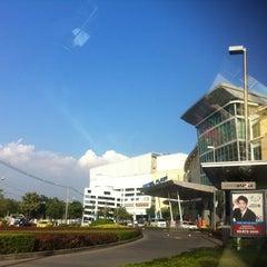 Photo taken at CentralPlaza Rama 2 (เซ็นทรัลพลาซา พระราม 2) by Jnn C. on 1/12/2013