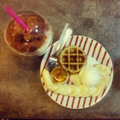 Photo taken at Tee Coffee by Ying9an E. on 10/26/2014