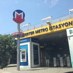 Photo taken at Merter Metro İstasyonu by Kaan Ç. on 6/27/2013