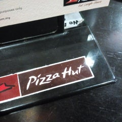 Photo taken at Pizza Hut by M A. on 5/9/2015