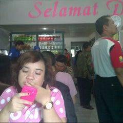 Photo taken at RM Padang Duta Minang by Sofian D. on 1/1/2013