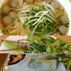 Photo taken at Phở 24 @ Vincom Center by Satomi A. on 11/23/2015