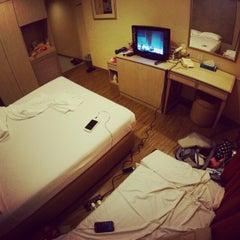Photo taken at Hotel 81 Bencoolen by sandwiz on 2/26/2013