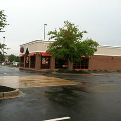 Photo taken at Arby's by 🐼 on 8/23/2013