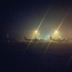 Photo taken at Noi Bai International Airport (HAN) Sân bay Quốc tế Nội Bài by Trần Quốc Huy on 10/16/2012