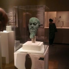 Photo taken at Ancient Near Eastern Art @ The Met by Max M. on 6/27/2013