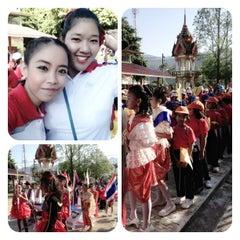 Photo taken at วัดประชุมโยธี อารามหลวง by Kruewaroon K. on 12/7/2012