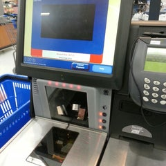 Photo taken at Walmart Supercenter by 🎀Cheryl🎀 on 12/30/2012