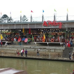 Photo taken at Ah Poong (Pasar Apung Sentul City) by Rey L. on 12/31/2012