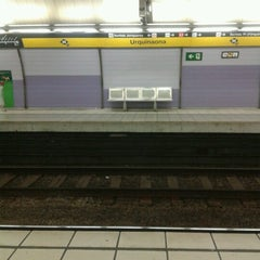 Photo taken at METRO Urquinaona by Enric F. on 1/6/2013