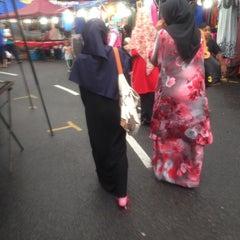 Photo taken at Pasar Malam Bandar Seri Putra by Adilah Z. on 6/9/2015