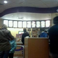 Photo taken at Taco Bell by Joe l. on 12/28/2012