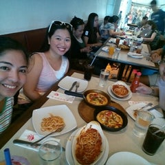 Photo taken at Pizza Hut by Ma. Leira O. on 9/7/2014