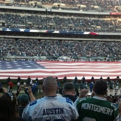 Photo taken at Lincoln Financial Field by Rachel L. on 11/11/2012