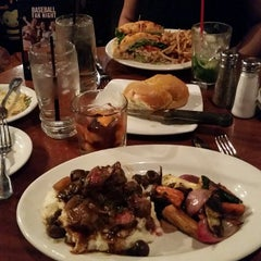 Photo taken at Claim Jumper by Robert W. on 5/2/2015