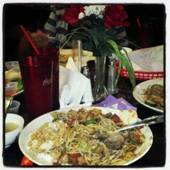 Photo taken at Umami Mongolian Grill by Robert W. on 10/4/2012