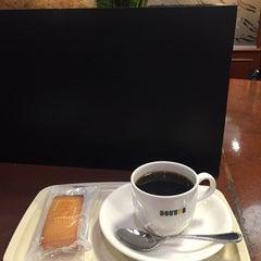 Photo taken at ドトールコーヒーショップ 大森店 by ippyon_f on 7/16/2015