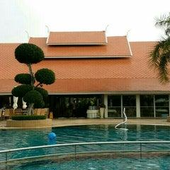 Photo taken at Thai Garden Resort (ไทยการ์เด้น รีสอร์ท) by Sarawut P. on 4/14/2015