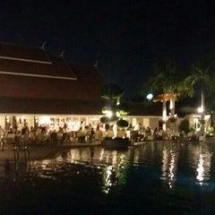 Photo taken at Thai Garden Resort (ไทยการ์เด้น รีสอร์ท) by Sarawut P. on 10/23/2015