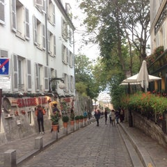 Photo taken at Montmartre by Nat P. on 10/7/2014
