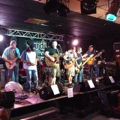 Photo taken at Sandy's Clam Bar by Stephanie R. on 7/30/2014
