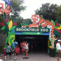Photo taken at Brookfield Zoo by Esteban A. on 7/6/2013