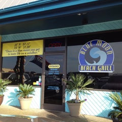 Photo taken at Blue Moon Grill by S C. on 4/26/2013