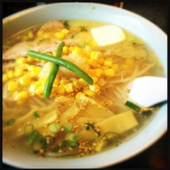 Photo taken at Toshi's Ramen by Earl M. on 3/23/2013