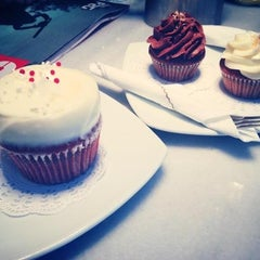 Photo taken at Hamptons Cupcakes by Fotis ♎. on 12/15/2012