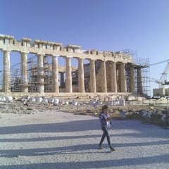 Photo taken at Ακρόπολη Αθηνών (Acropolis of Athens) by Burcin T. on 5/23/2013