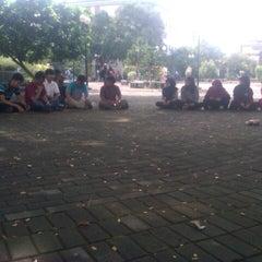 Photo taken at Fakultas Kedokteran Hewan by Angga F. on 3/29/2013