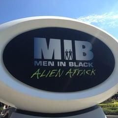 Photo taken at MEN IN BLACK: Alien Attack by Adrian H. on 10/23/2013