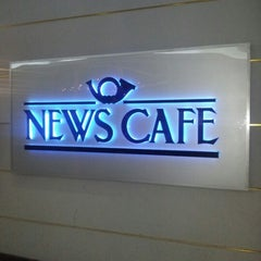 Photo taken at News Cafe by Hassan Y. on 1/24/2013