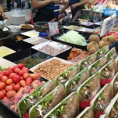 Photo taken at ตลาด อ.ต.ก. (Or Tor Kor Market) by Garfield P. on 4/14/2013
