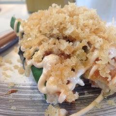 Photo taken at Sushi Sushi by GlennKrestine H. on 2/24/2014