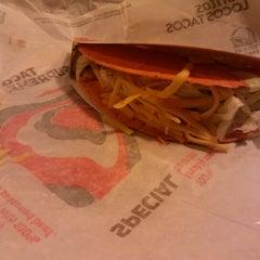 Photo taken at Taco Bell by Elizabeth K. on 1/9/2013