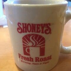 Photo taken at Shoney's by Taren B. on 10/7/2015